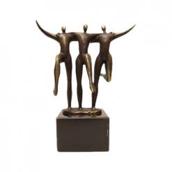samenwerking teamwork awards beeldjes beelden en sculpturen laten maken