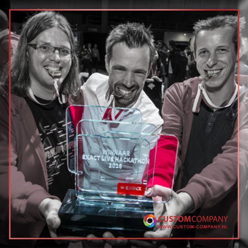 custom awards van glas laten maken